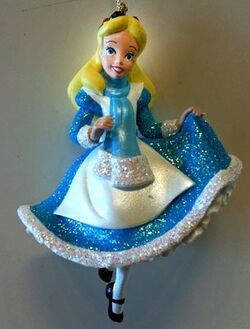 Disney-Alice-in-Wonderland-Figurine-Ornament-NEW-0-0.jpg