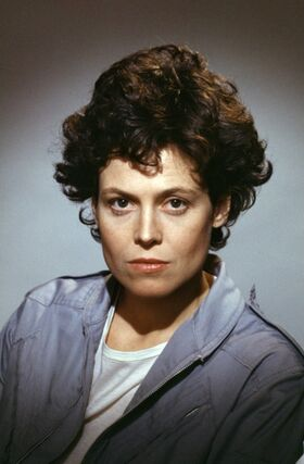 Aliens Sigourney Weaver2.jpg