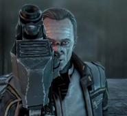 El Señor Weyland usando un Pistola Ametralladora VP78