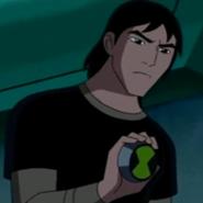 Kevin mostrando su insignia de plomero ganada