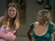 AlTF 3x17 - Betty Sue and Joanie