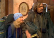 AITF 2x19 - Mike and gloria off to visit commune