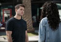 Life Goes On 2x08 01 Asher Olivia