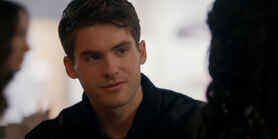 Decisions 2x16 21 Asher