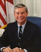 220px-Bob Graham, official Senate photo portrait, color.jpg