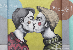 Gay Kiss Brussels.png