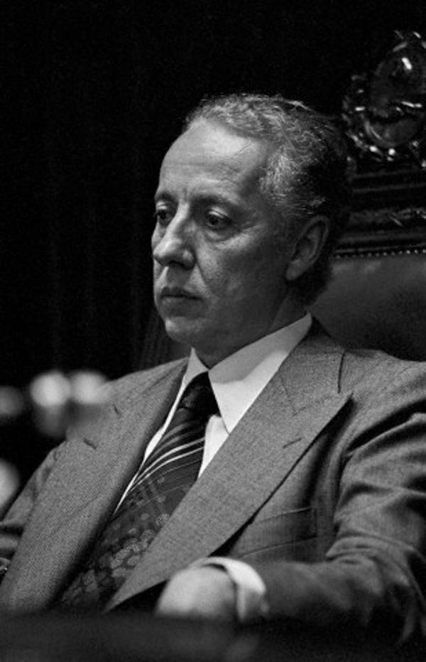 Elecciones presidenciales de Argentina de 1983 (Ucronía: No Uriburu, si Chavez)