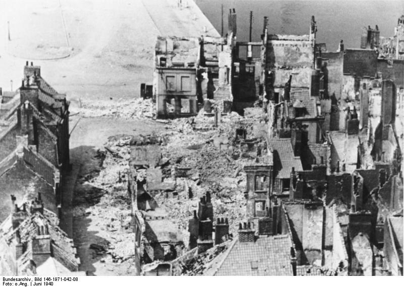 Bundesarchiv Bild 146-1971-042-08, Calais, zerstörtes Hafenviertel.jpg