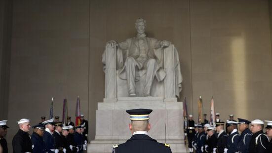 Lincoln Memorial ceremony.jpg