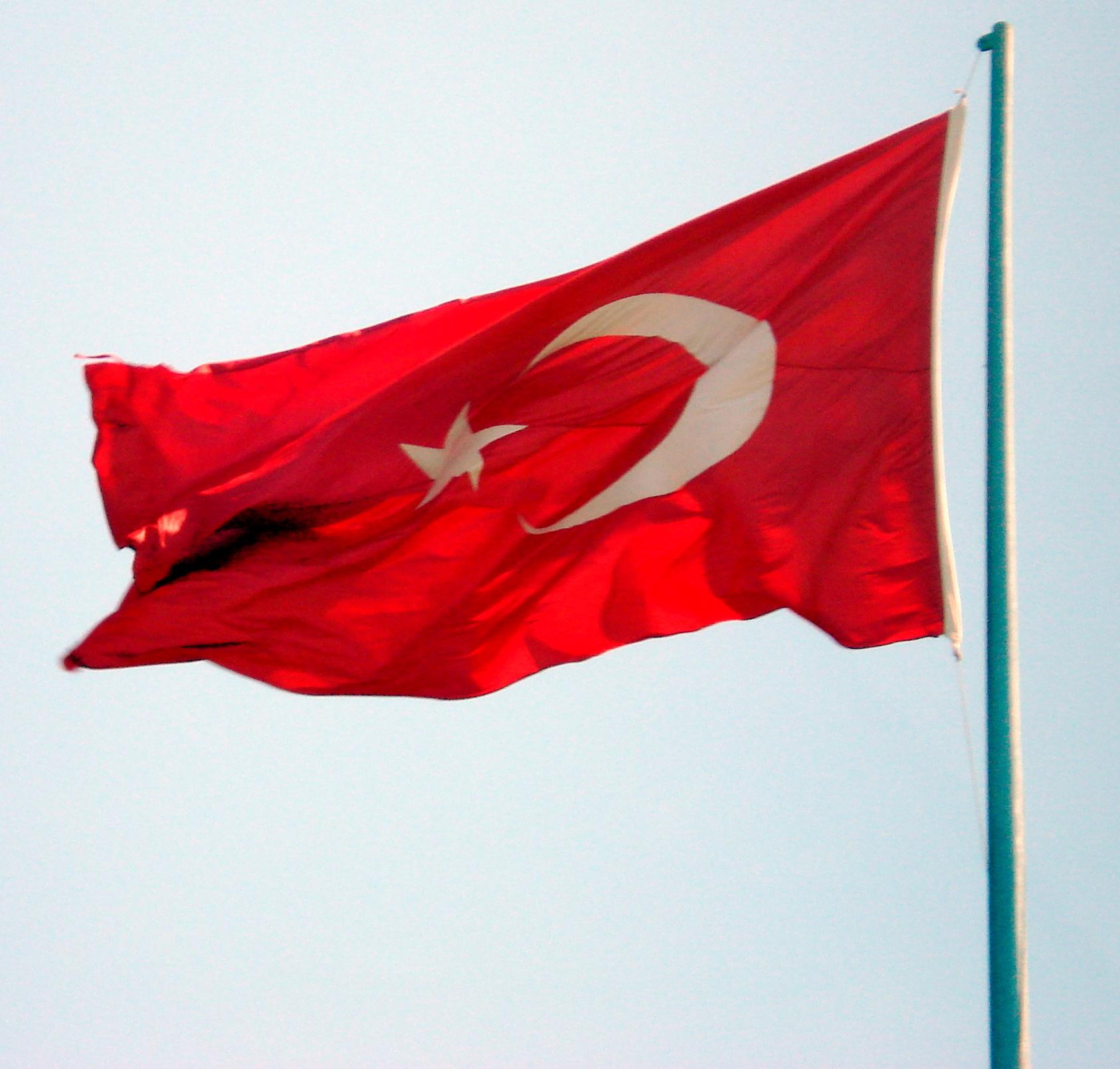 TurkishFlagFlying.jpg