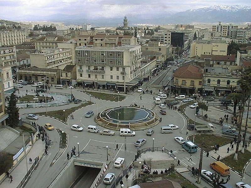 800px-Tizi Ouzou Place de la poste.jpg