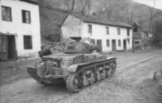Bundesarchiv Bild 101I-174-1154-13, Jugoslawien, französischer Panzer H39.jpg