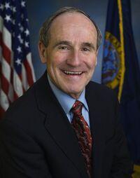 800px-James E. Risch, official Senate photo portrait, 2009.jpg