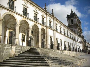 Mosteiro-de-Alcobaca.jpg
