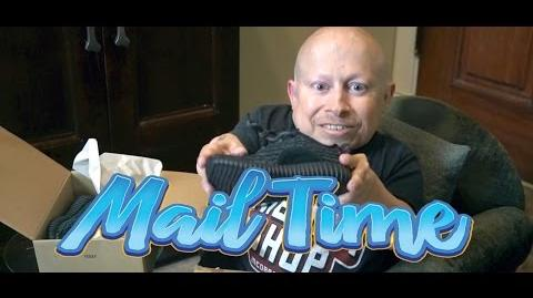 Adidas Yeezy Boost 350! MailTime 9 Unboxing with Verne Troyer