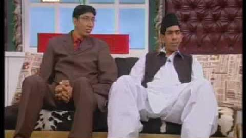 Naseer_Somroo_&_Haq_Nawaz_Tallest_men_In_Good_Mornin_Pakistan_p2.mp4