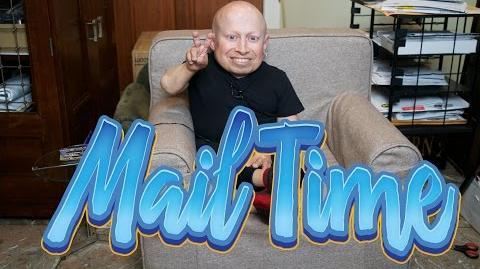 Football Cards, Lovesac and...Hair? MailTime 10 Unboxing with Verne Troyer