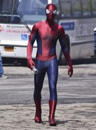 Andrew-garfield-on-set-the-amazing-spider-man-2-02