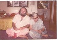 HH Parijnanashram Swamiji with Shantapachhi