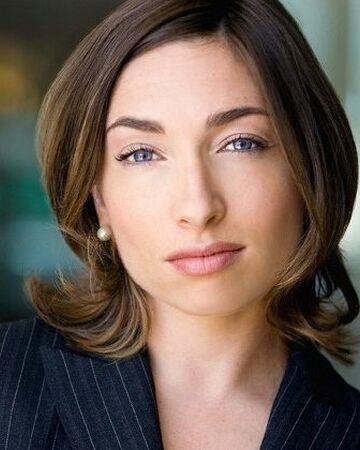 Naomi Grossman.jpg