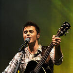 American-idol-winner-kris-allen-performs-during-the-2009 007.jpg
