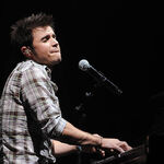 American-idol-winner-kris-allen-performs-during-the-2009 006.jpg