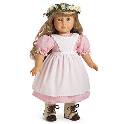 Apron Dress and Daisy Wreath