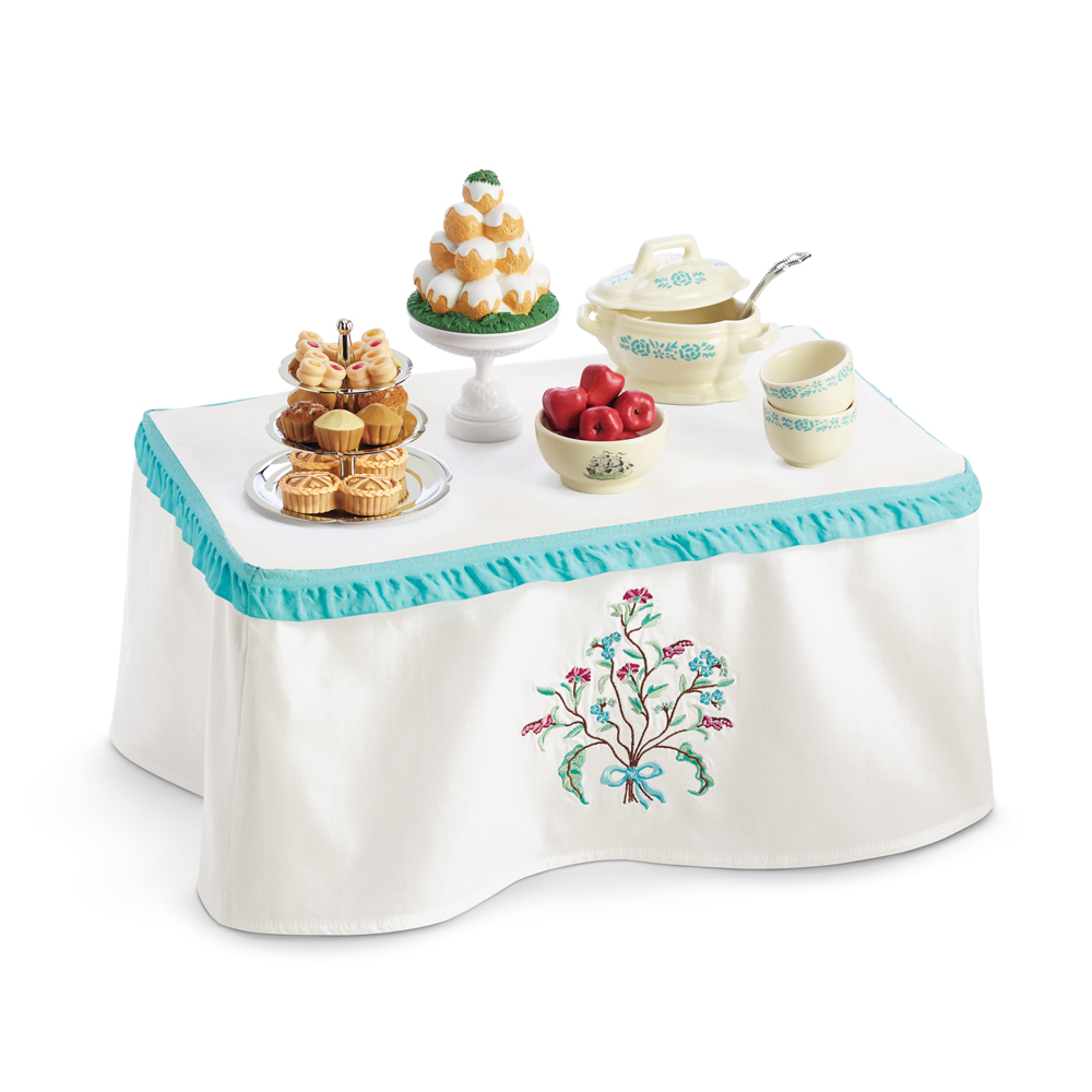 Caroline's Table and Treats