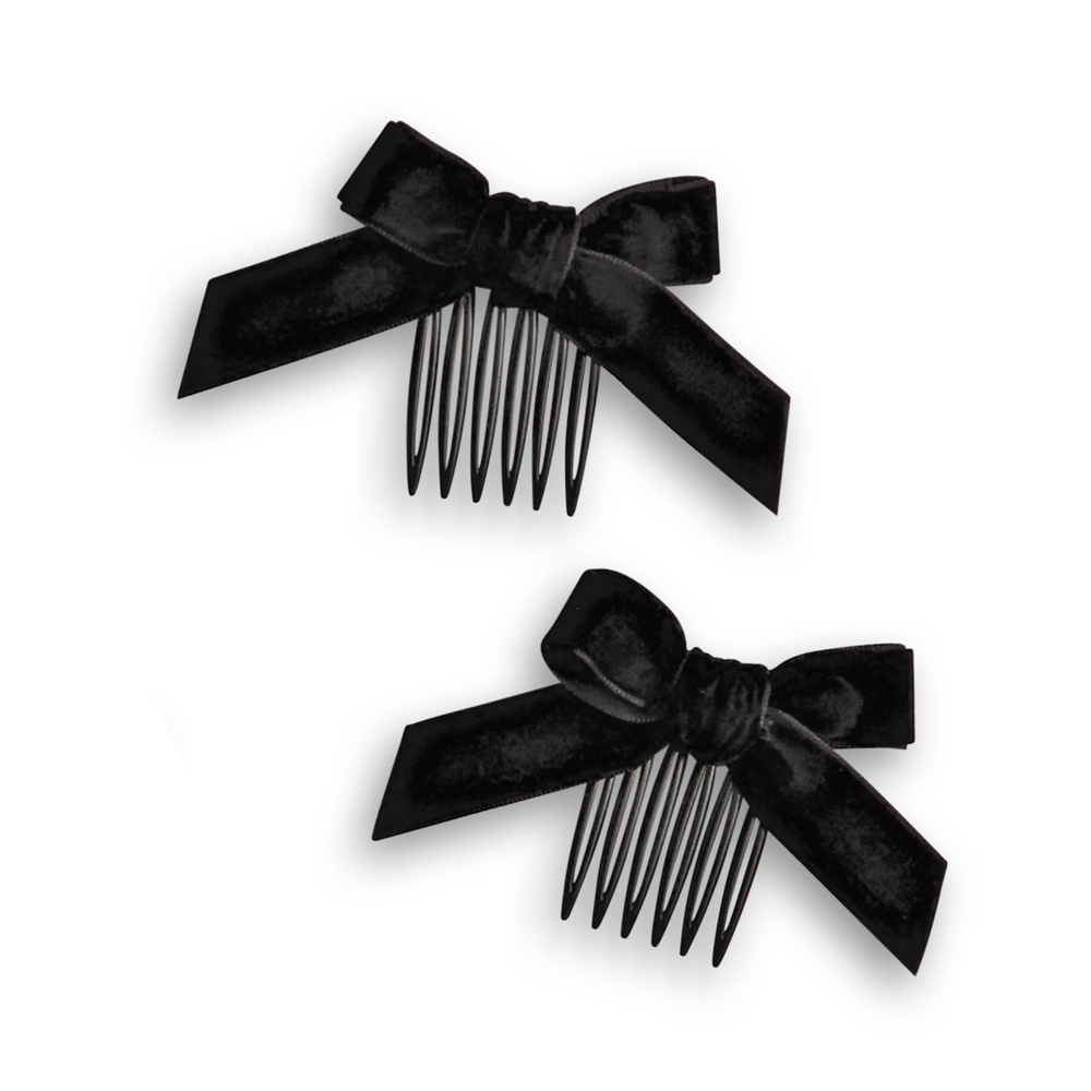 AddySchoolOutfit combs.jpg