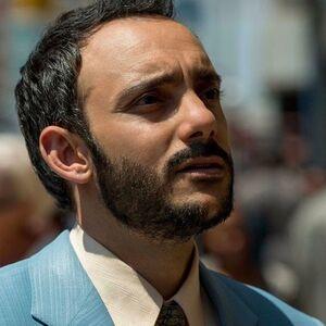Salim in NYC 2x03.jpg