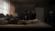 S7E07 Kai & Winter in parents room