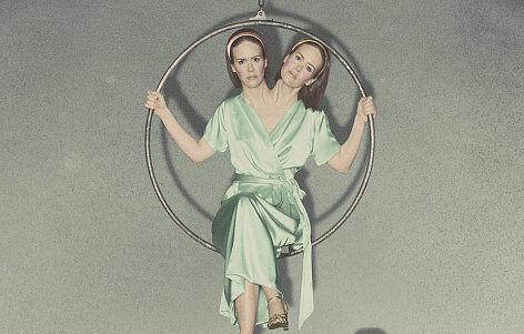 Bette-Dot-Tattler-Conjoined-Twins-Sarah-Paulson