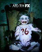 Сезон 6 кукла постер