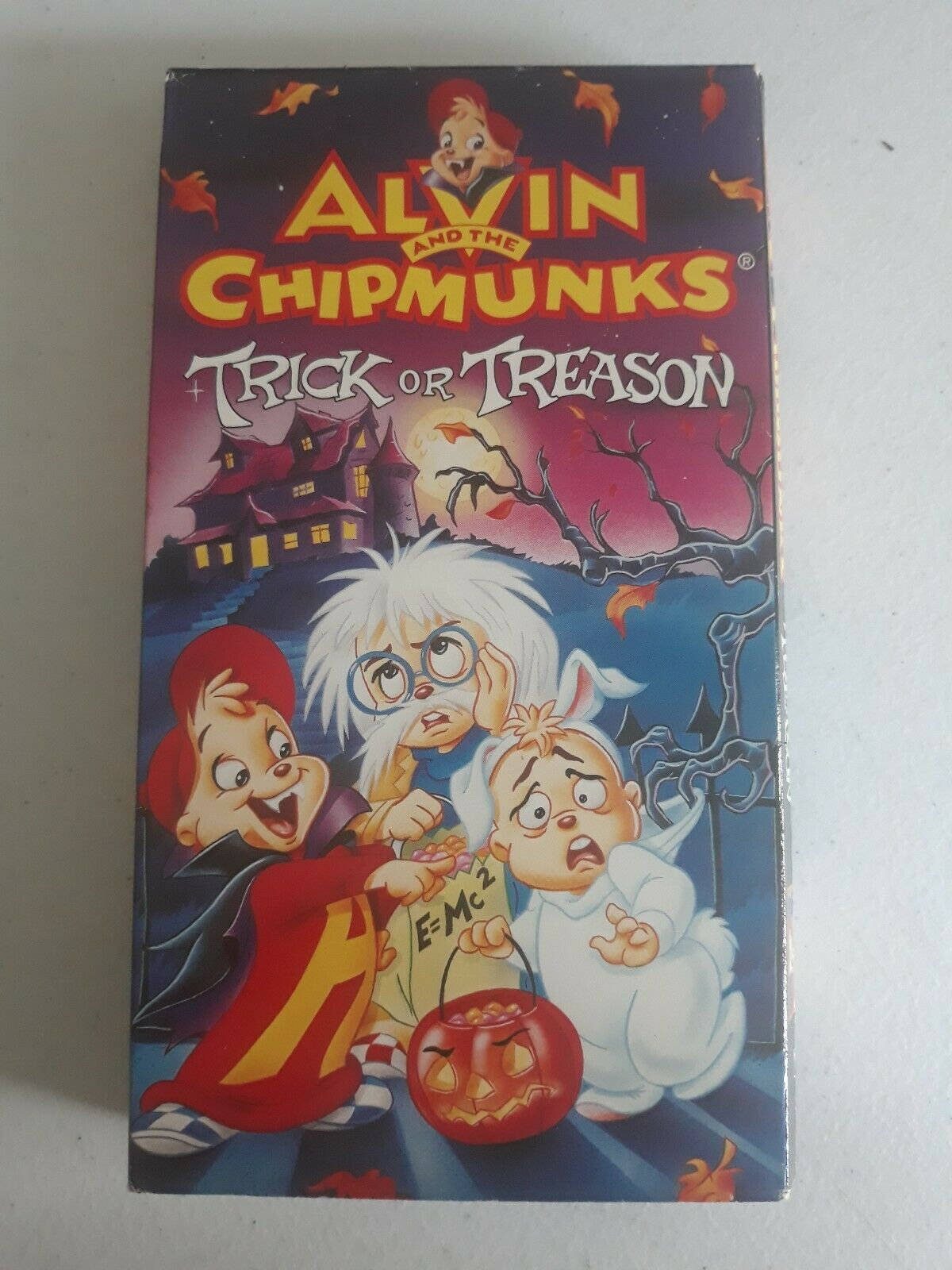 Alvin and the Chipmunks: Trick or Treason (1995 VHS)