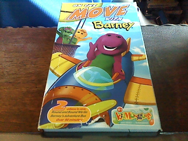 Barney: On The Move with Barney (2002 VHS)