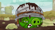 Cerdo Con Casco