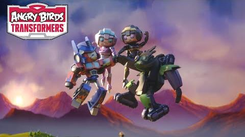 Angry Birds Transformers – Arcee and Airachnid join the team!-0