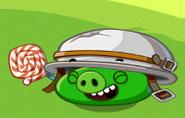 Свин в шлеме смеётся (2)