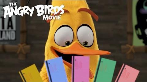 The Angry Birds Movie - Chuck Visits Regal Cinemas