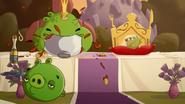 KING PIG EATING NOODLES