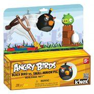 72603-angrybirdsblackbirdvssmallminionpigpkg medium