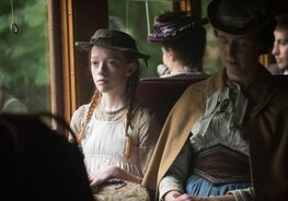Anne im Zug