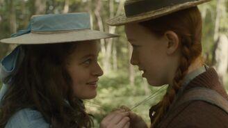 Anne und Diana Freunde