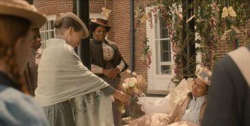 Marilla schenkt Mary Blumen