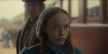 Anne geht mit Marilla die Regeln durch