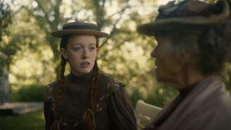 Anne redet mit Josephine