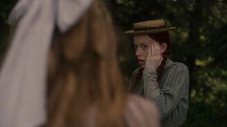Josie gibt Anne eine Backpfeife