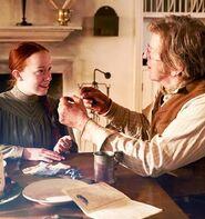 Anne bekommt Geschenk von Matthew