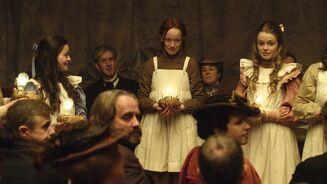 Anne, Ruby und mehrere Leute