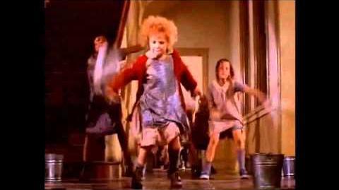 """It's a hard knock life"" ORIGINAL Annie 1982"